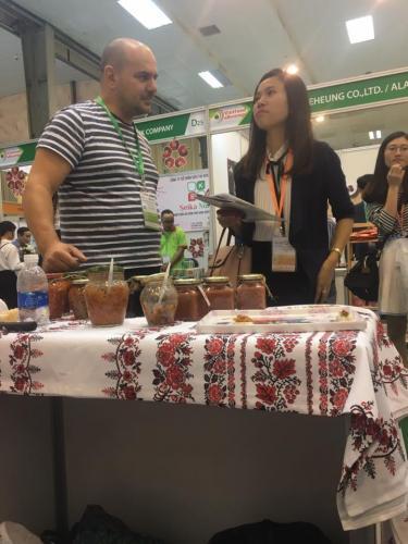 Zacusca Petrileana la Vitet Food and Beverage